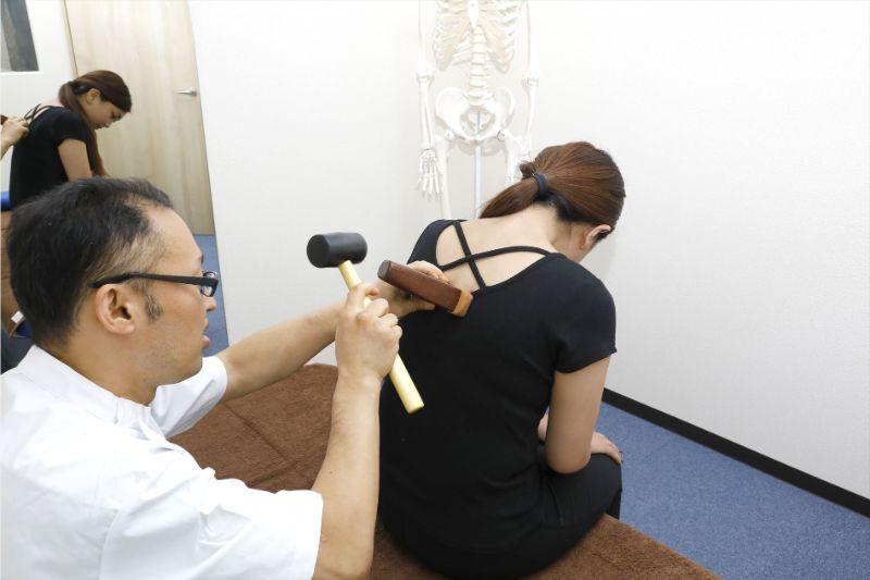 ひどい肩こりになった 整体、整骨院 整形外科どこにいけばいい?? (東大阪市 整体 献身堂)