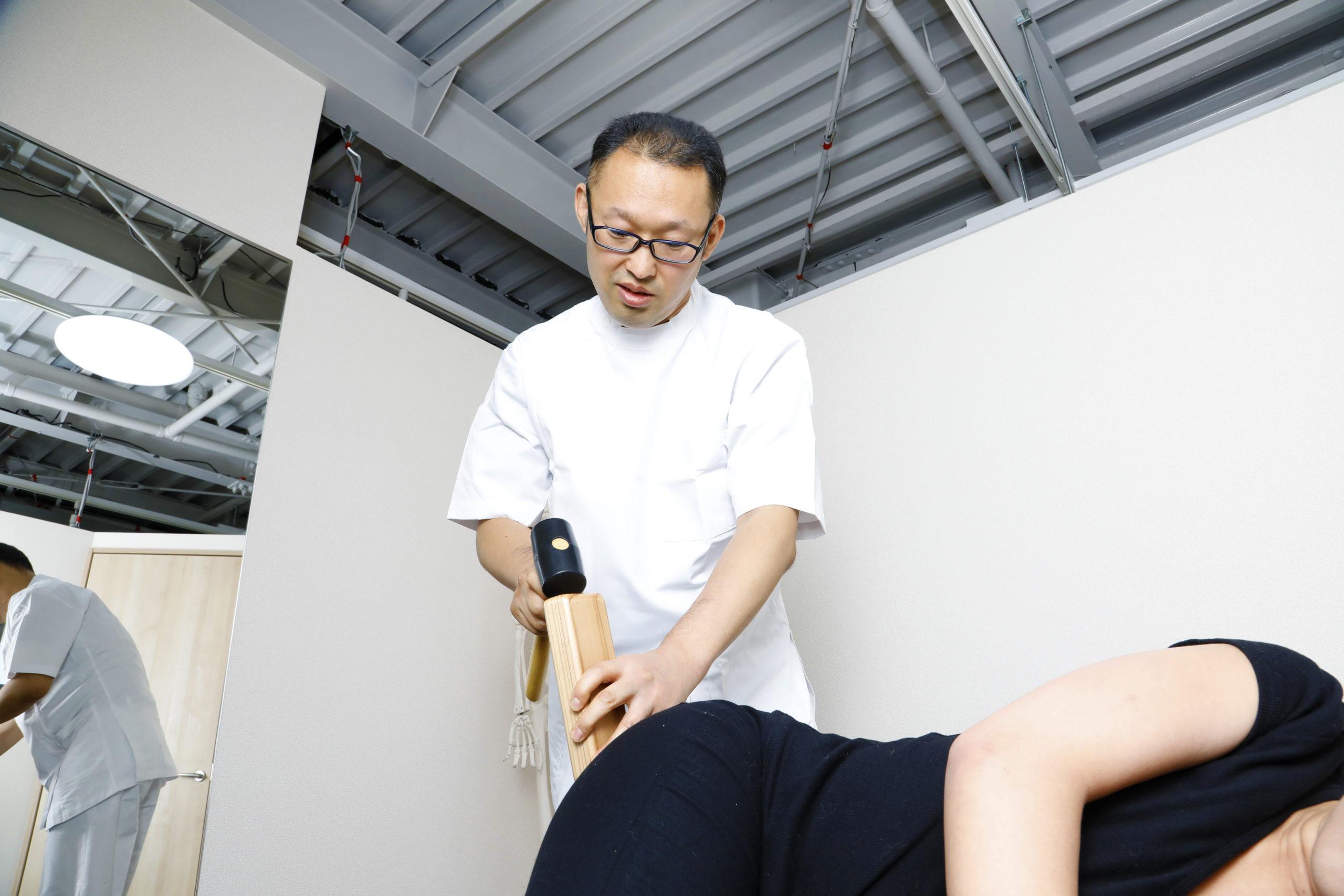 変形性股関節症の痛みがひどい (東大阪 整体 献身堂)